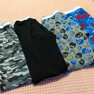 4 boy's thermo pants.